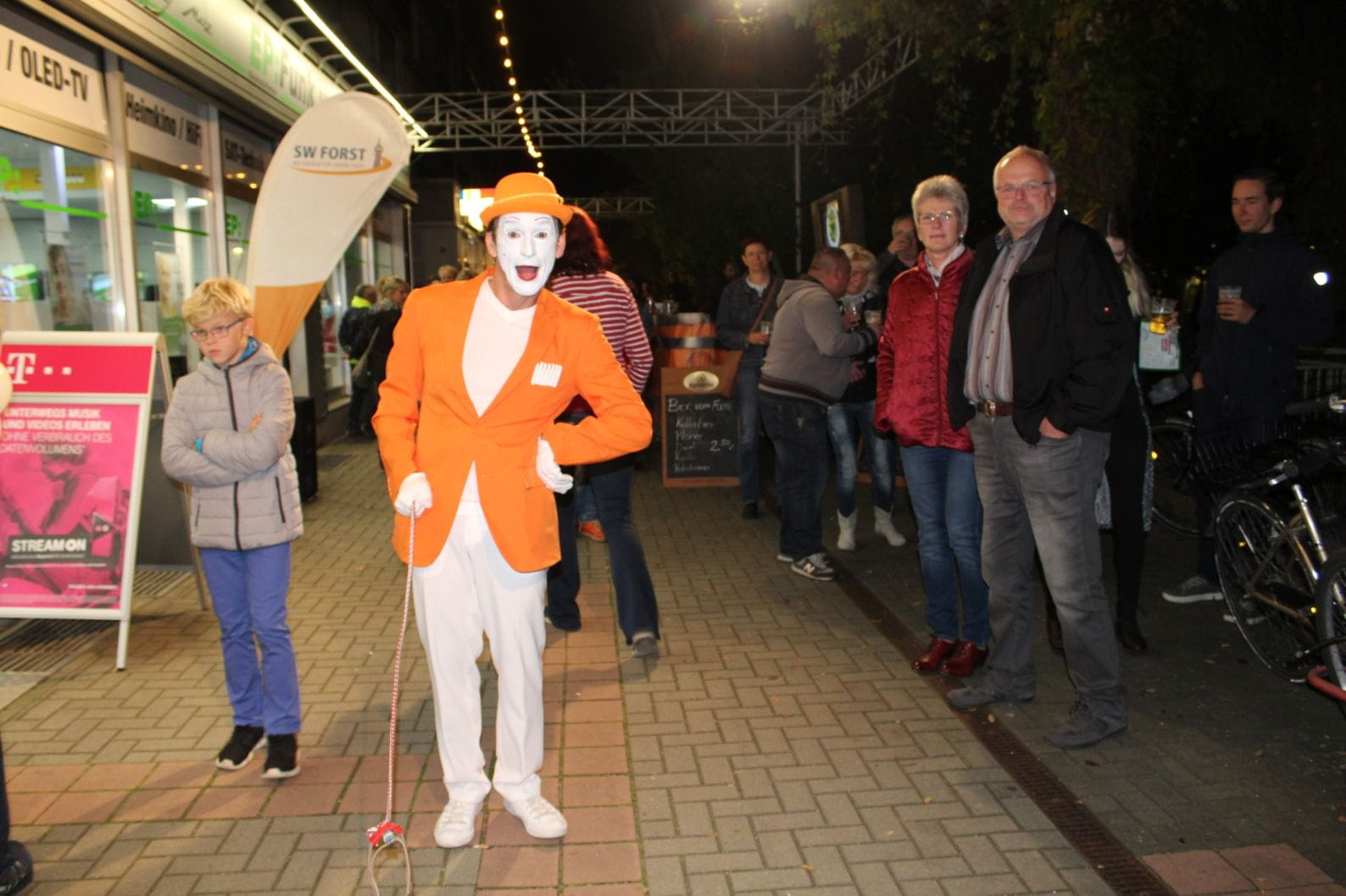 SWF-Mitternachtsshopping-Pantomime